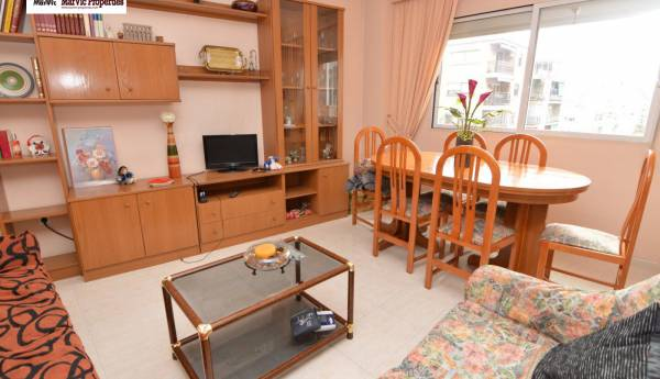 Appartement - De location - Avenida Beniarda - Benidorm